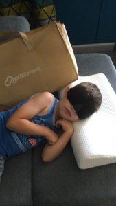 Dormir avec un oreiller à mémoire de forme